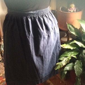 Really great dark blue skirt w pockets & elastic